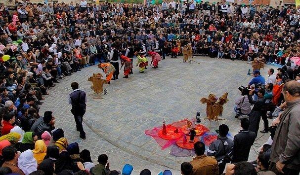 آغاز سیزدهمین جشنواره بین المللی تئاتر خیابانی مریوان با 39 اثر +جدول اجراها