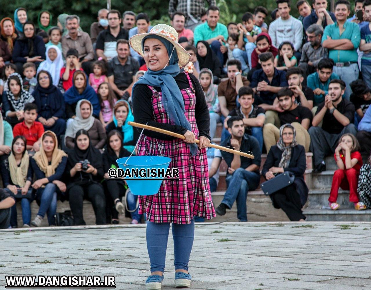 کسب عنوان بهترین بازیگر زن جشنواره فجر توسط هنرمند سقزی