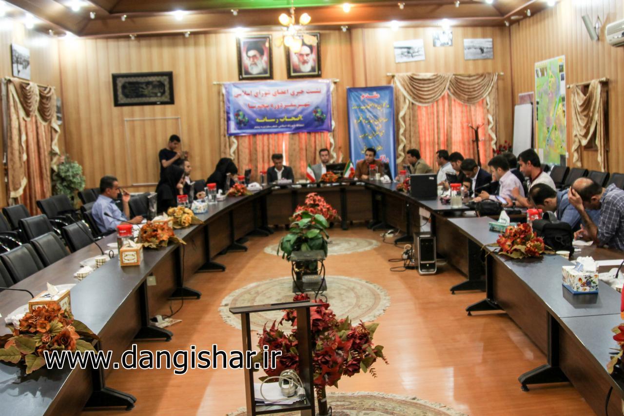 برگزاری اولین نشست خبری اعضای منتخب دور پنجم شورای شهر سقز با اصحاب رسانه