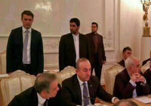 ماجرای نگاه محافظ ظریف به محافظ وزیر خارجه ترکیه! + فیلم