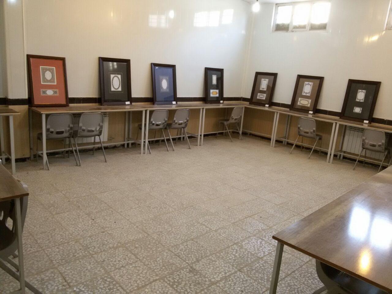 برگزاری نمایشگاه خوشنویسی خط تحریری در دانشگاه علمی کاربردی سقز