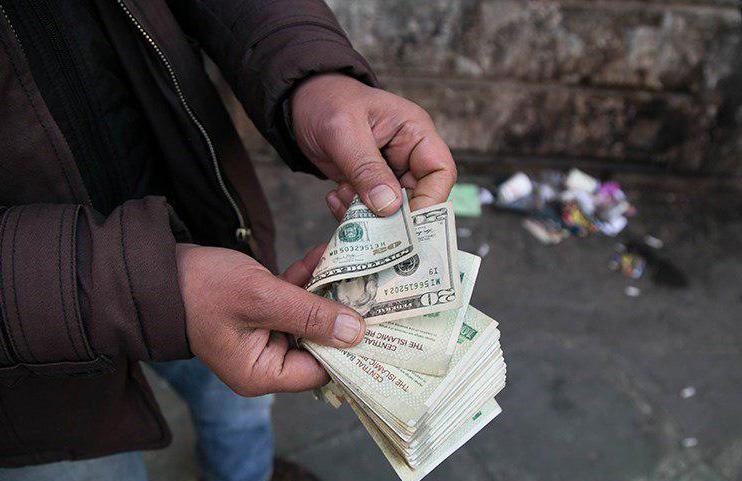 ۶ عامل تاثیرگذار بر نوسانات اخیر نرخ ارز در ایران