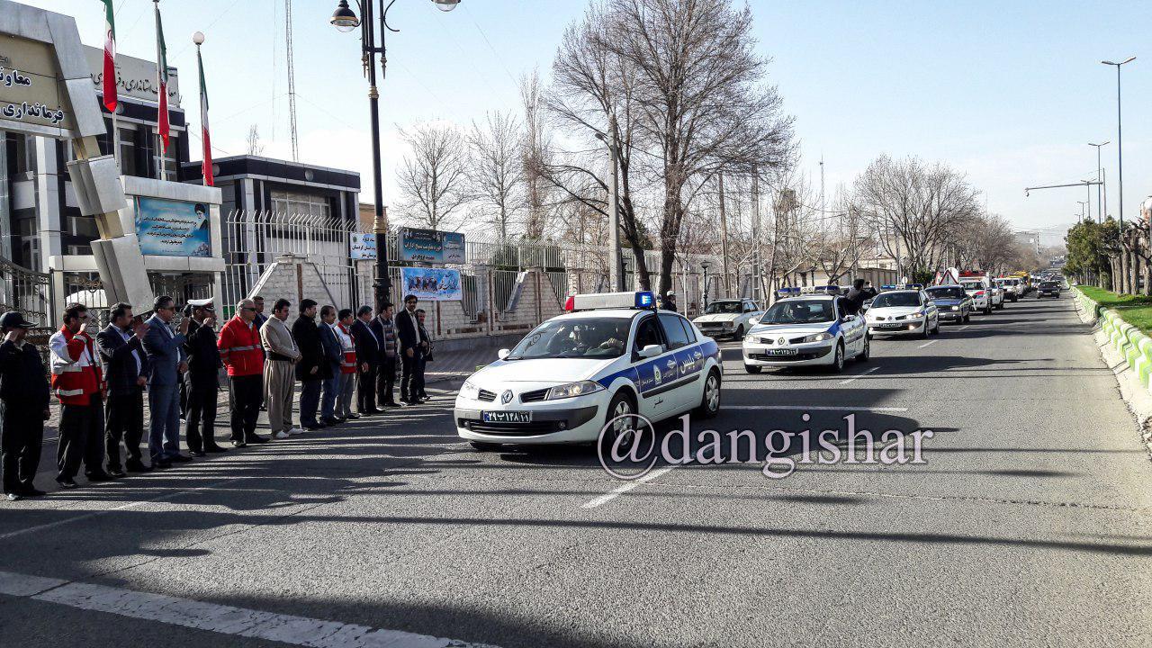 برگزاری رژه آمادگی ستاد تسهیلات نوروزی برای استقبال از مسافران نوروزی در سقز