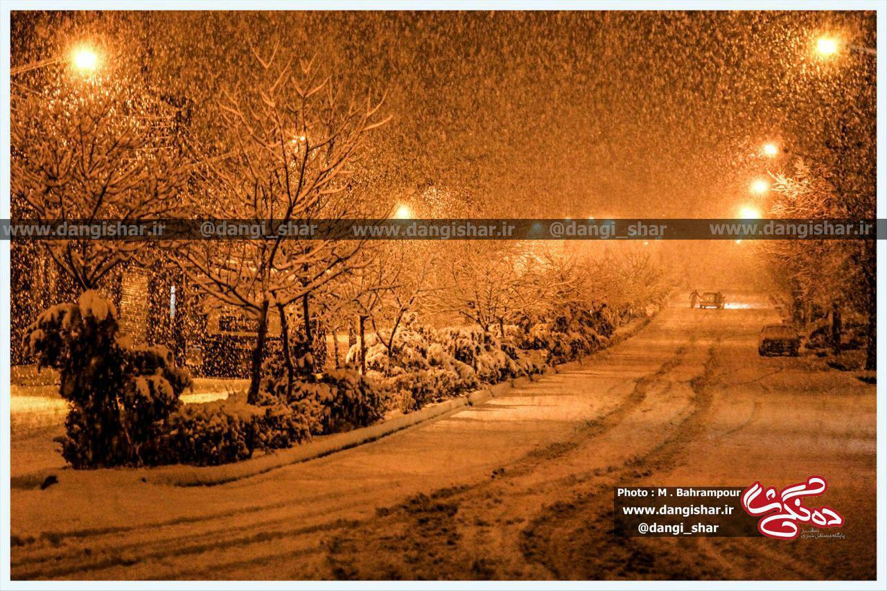 تصویری زیبا از اولین برف در آخرین روزهای پاییزی 95 به روایت دوربین ده نگی شار