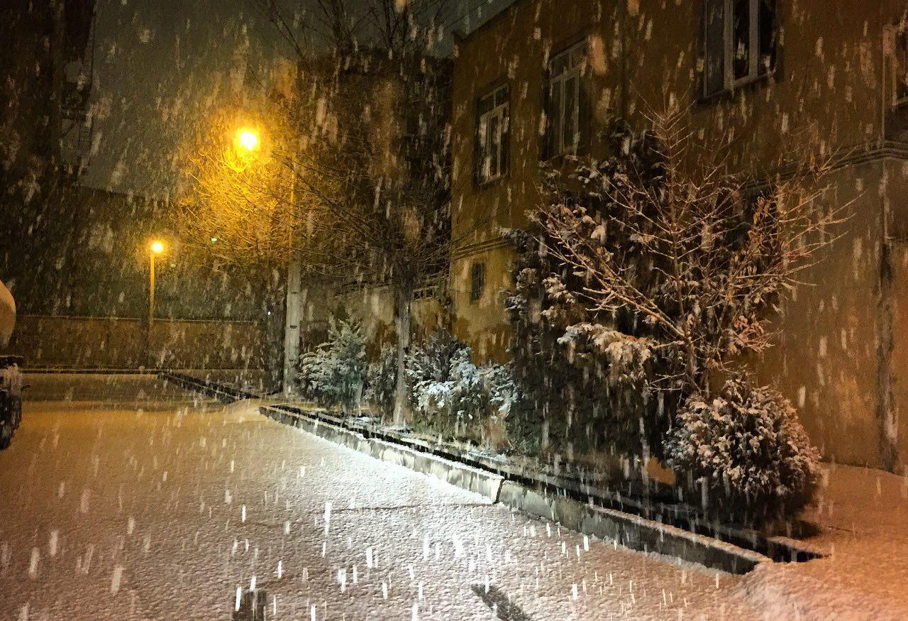 مریوان، رکوددار بارش در کُردستـــــان.. یخبندان در راه است..