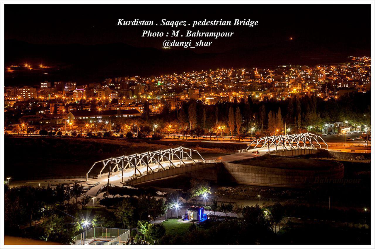 نمایی زیبا از سقز و پل عابر پیاده