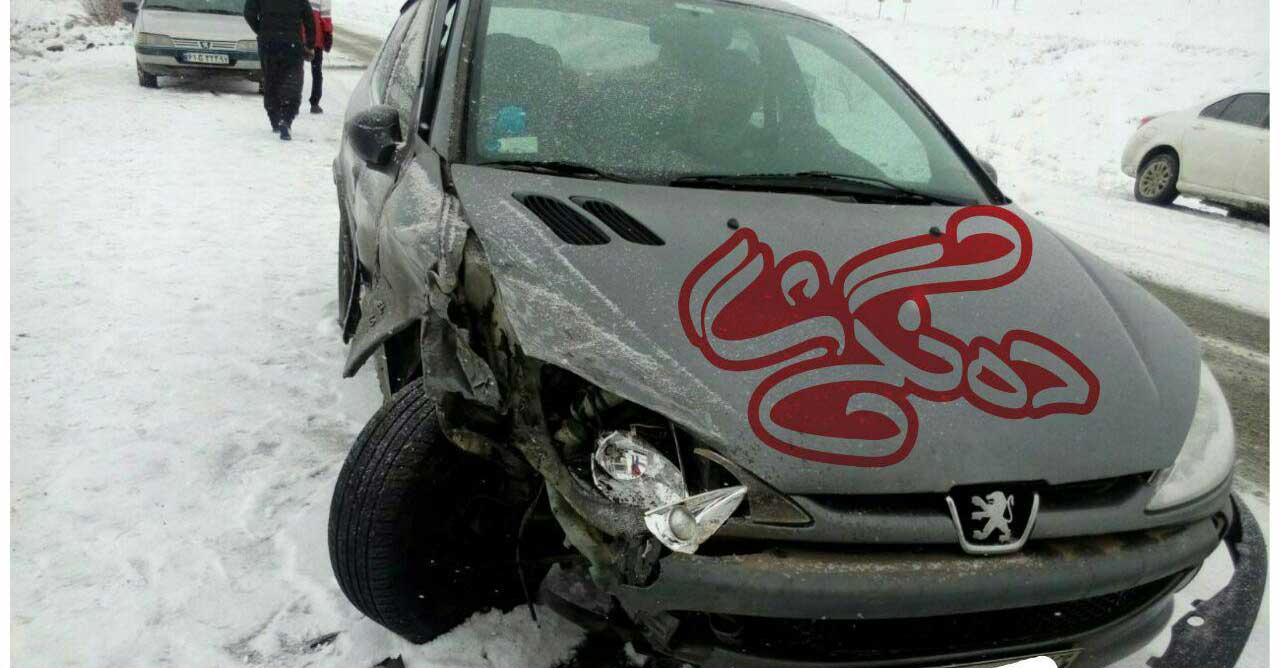 تصادف زنجیره ای 8 خودرو در محور سقز دیواندره